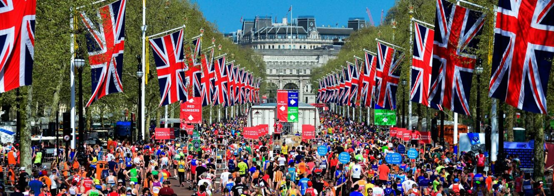 London Marathon image of the Mall and Buckingham Palace
