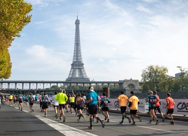 Runners in the Paris Marathon